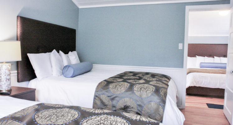Beachcomber Cottage offers a King bed and two Queen beds.
