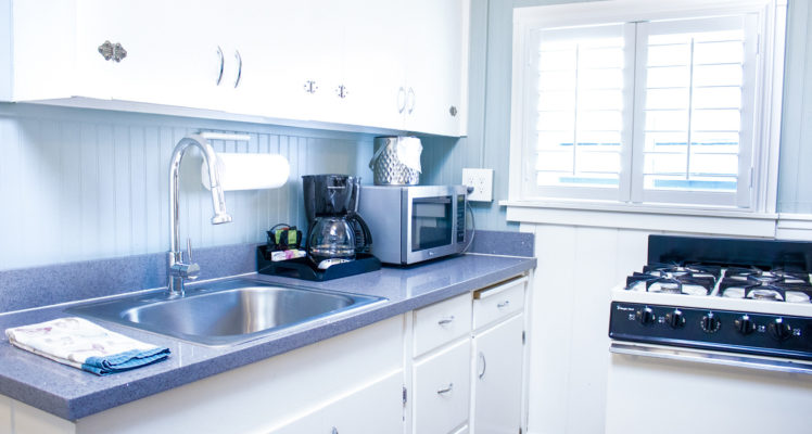 Gull Cottage has a full kitchen